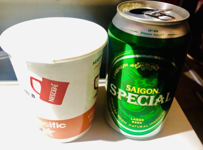 機内で注文したベトナムビール