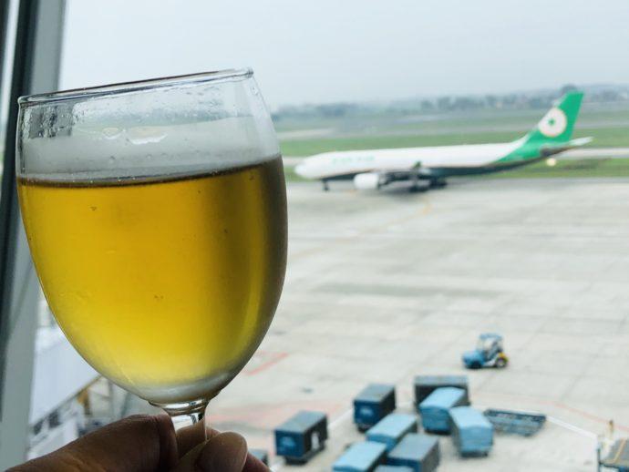 飛行機とビール