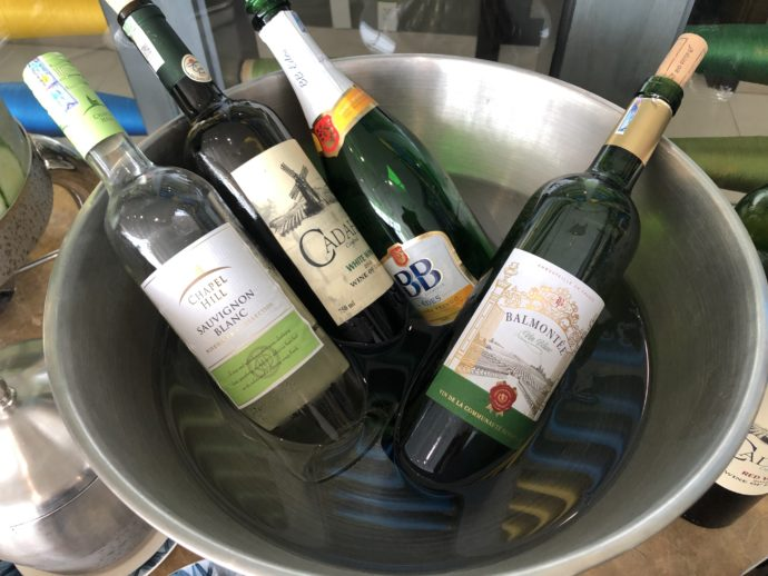 冷えた白ワイン