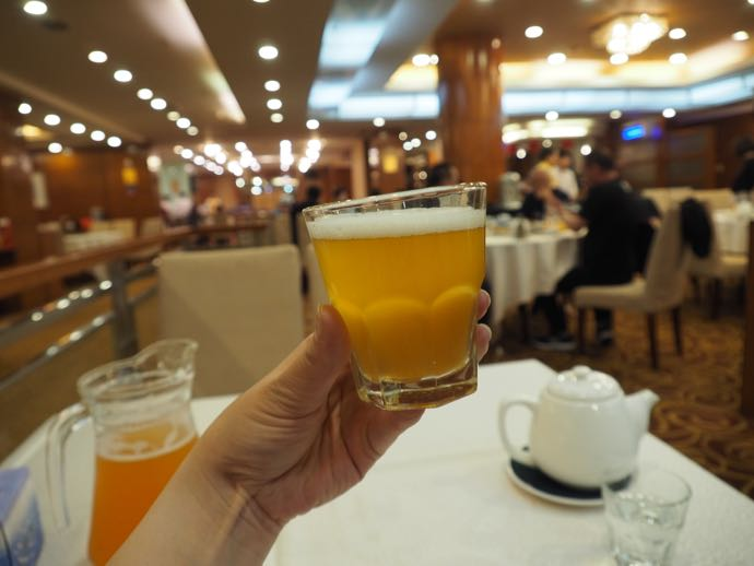 自家製ビールで乾杯