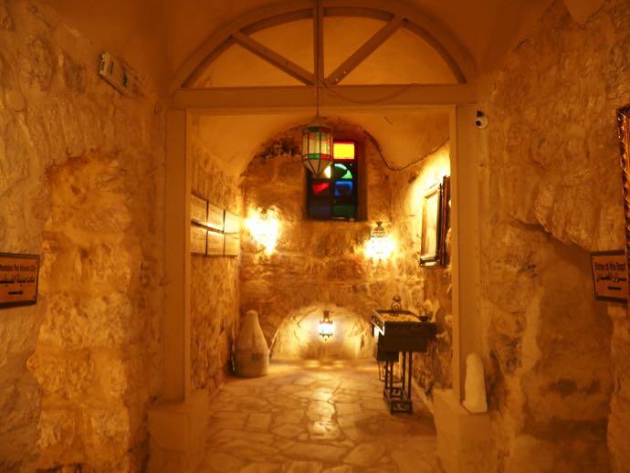 ラテン修道院の地下博物館