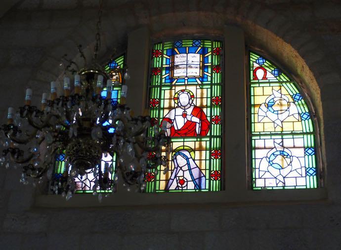 ラテン修道院のステンドグラス