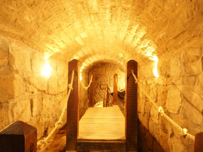 古代トンネル