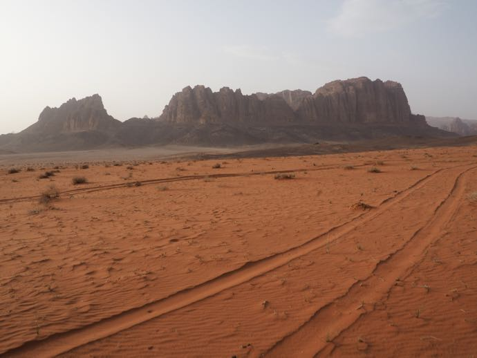 荒涼とした砂漠
