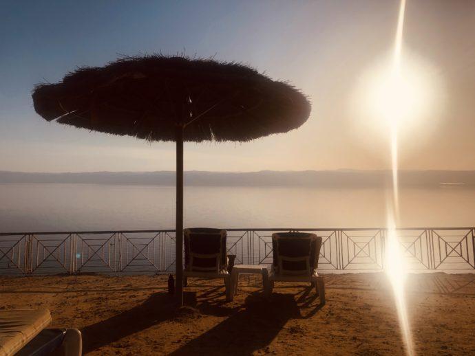 死海のサンセット
