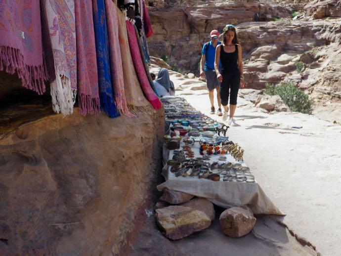ペトラ遺跡の観光客