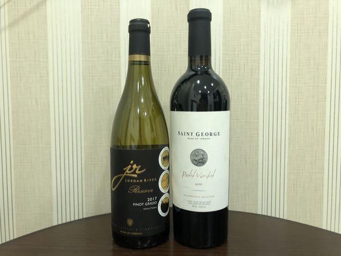 ヨルダンのワイン2本