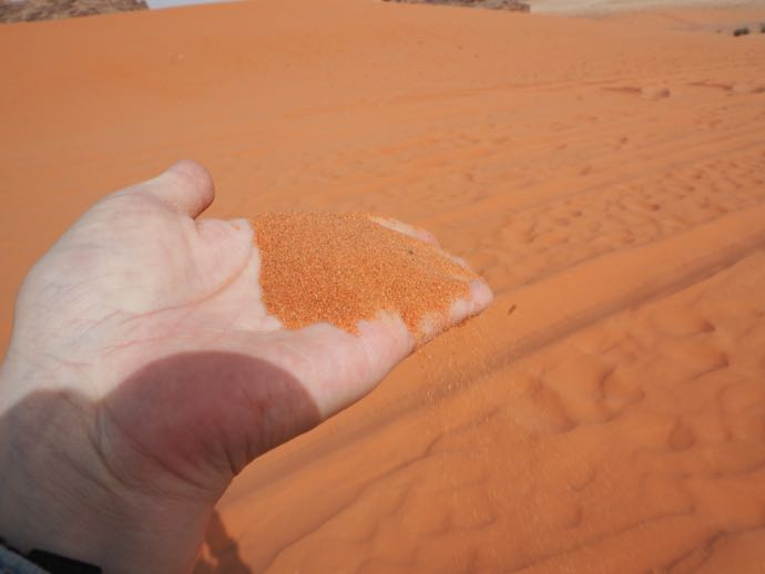 サラサラの紅い砂
