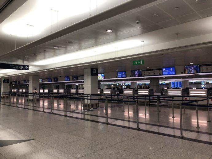 ドバイ空港はガラガラ