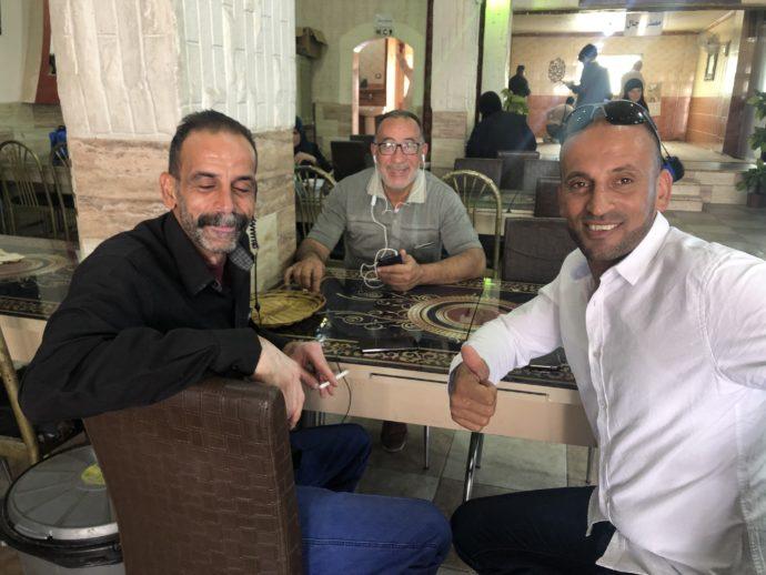 アラブ男性3人