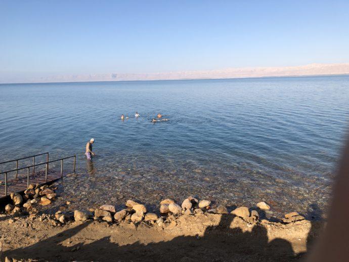 早朝の死海