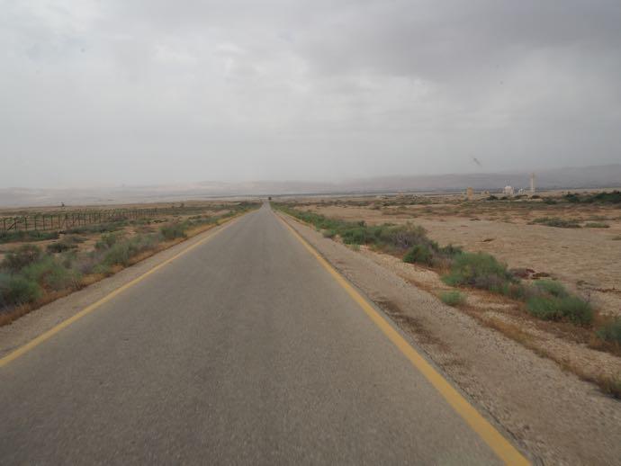 敷地内の車道
