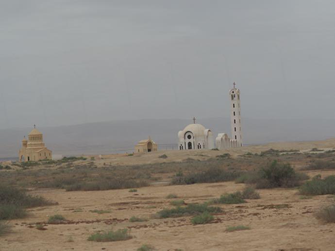 砂漠の教会