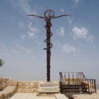 十字架のモニュメント