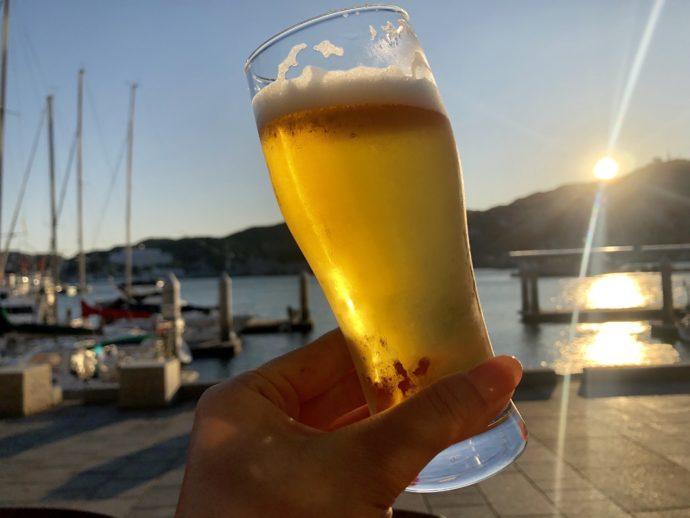 テラスで飲むビール