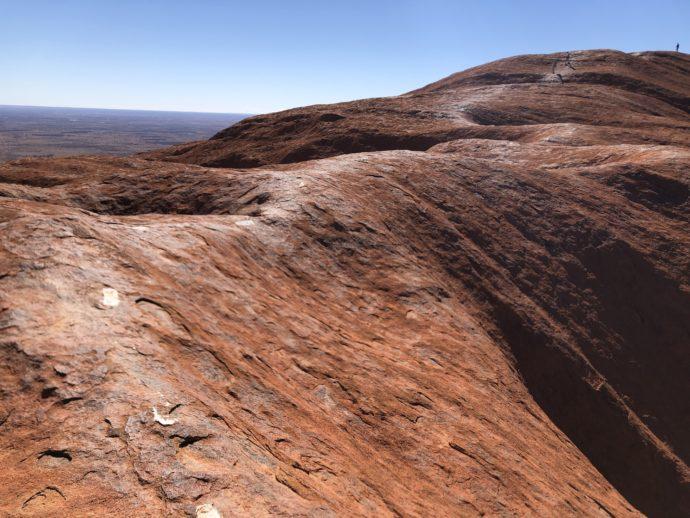 火星のようなウルルの頂上