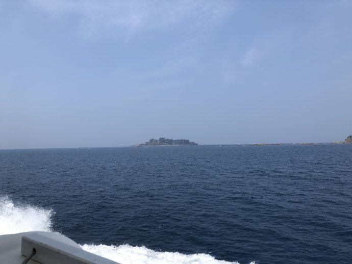 軍艦島が見えてきた