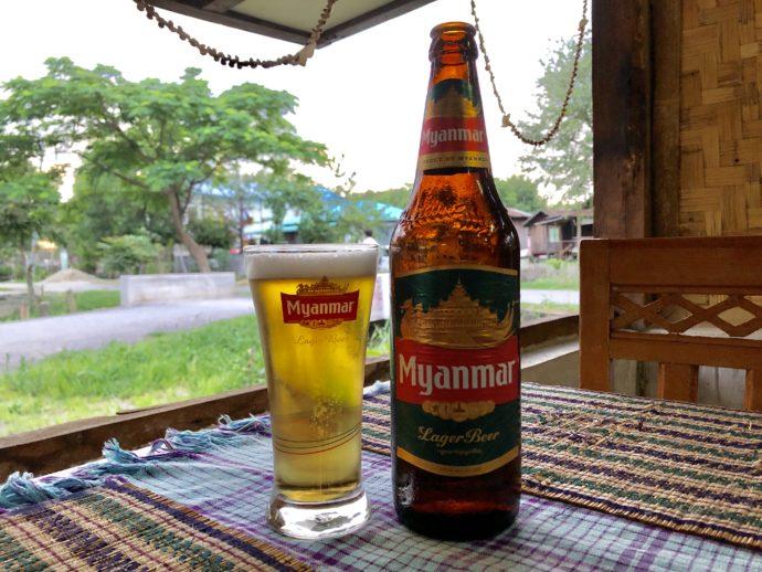 ミャンマーの瓶ビール