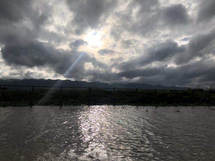 インレー湖の夕暮れ時