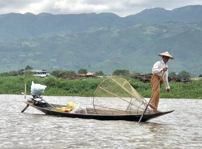 インター族の漁師