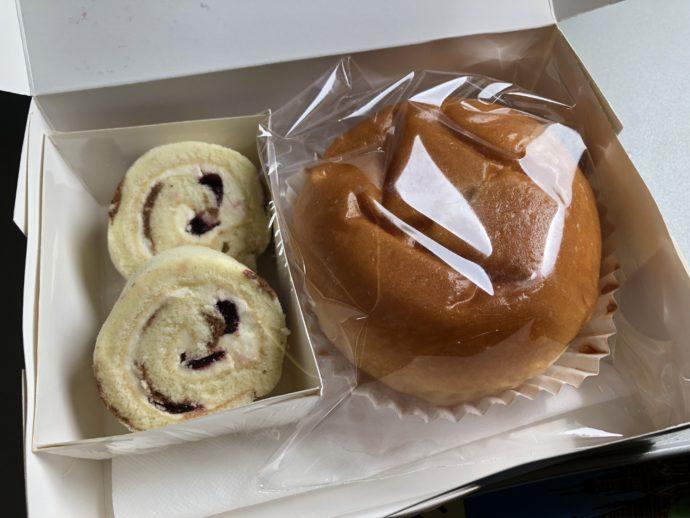 ミャンマーナショナル航空の軽食のパン