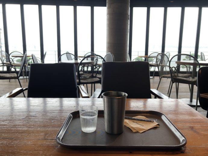 カフェの特等席