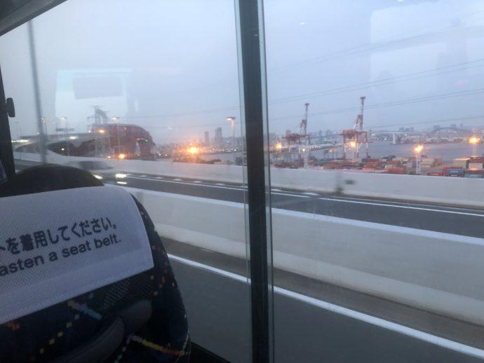 リムジンバス車内から見た風景