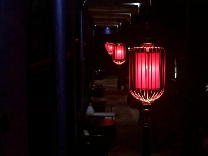 幻想的な灯篭の光