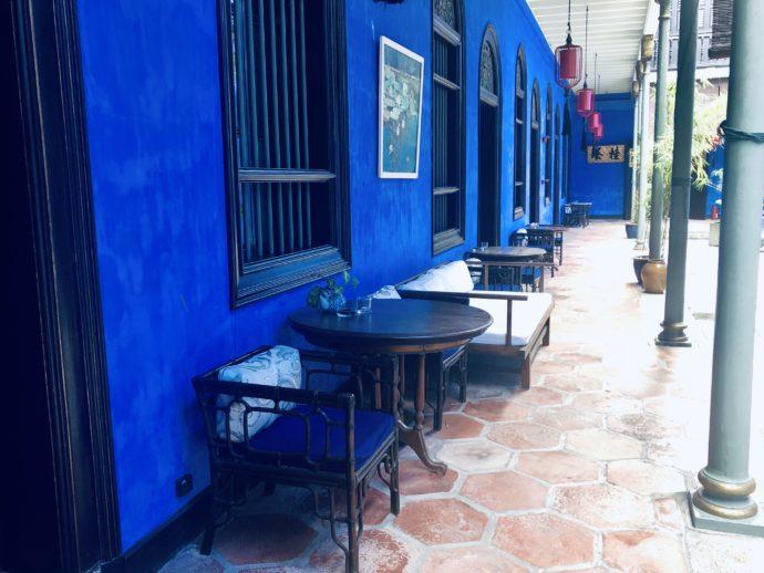 ブルーの廊下