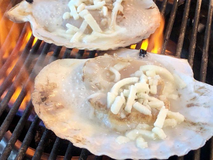 貝のチーズ焼き