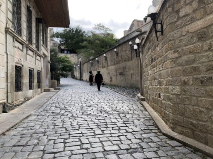 朝のバクー旧市街