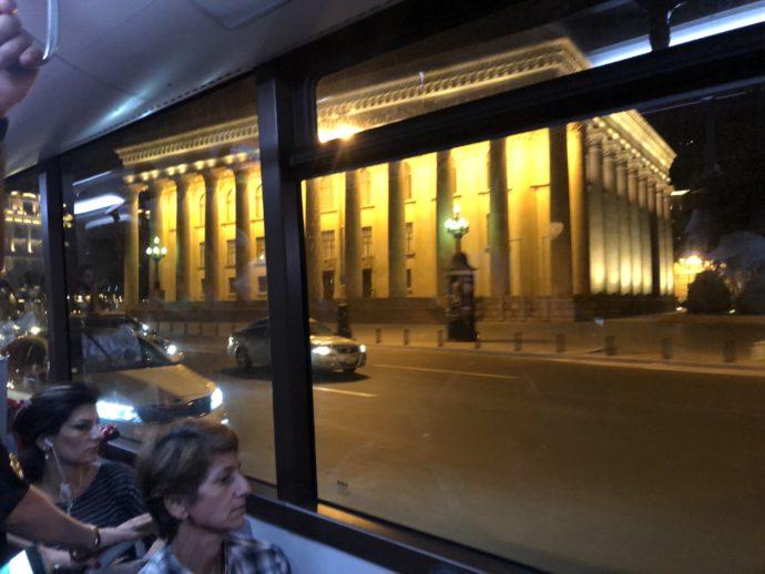 バスから見えるバクーの夜景