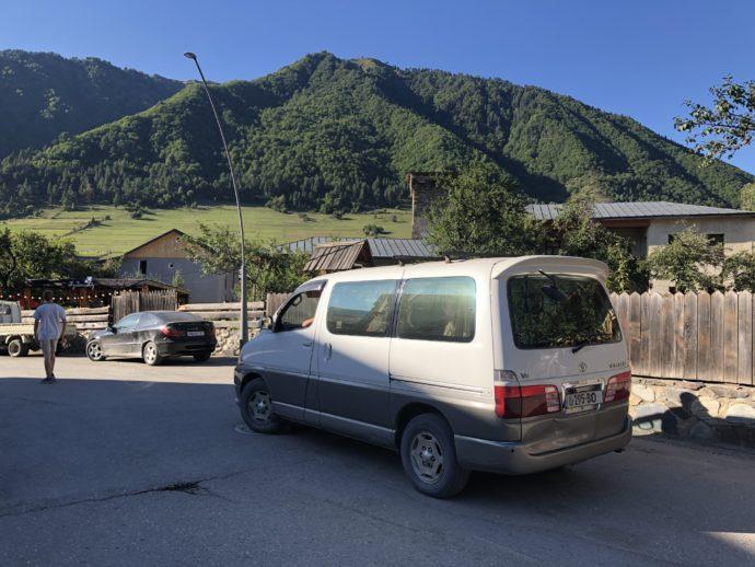 ウシュグリへの乗合タクシー
