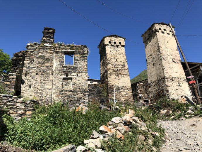 ウシュグリ村の復讐の塔