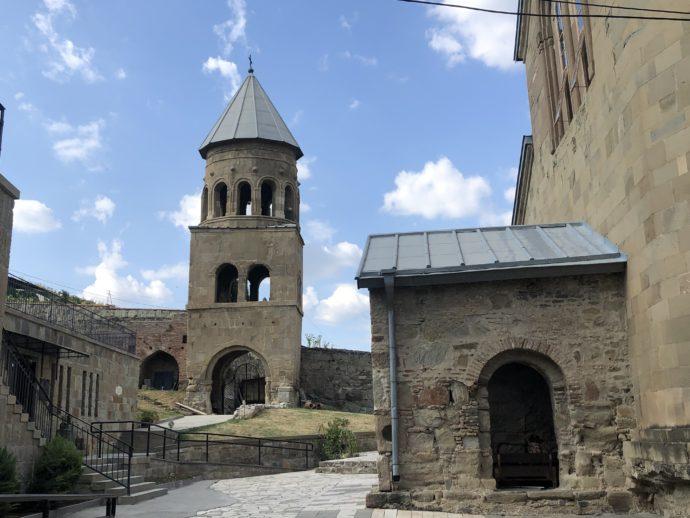 サムタヴロ教会の敷地