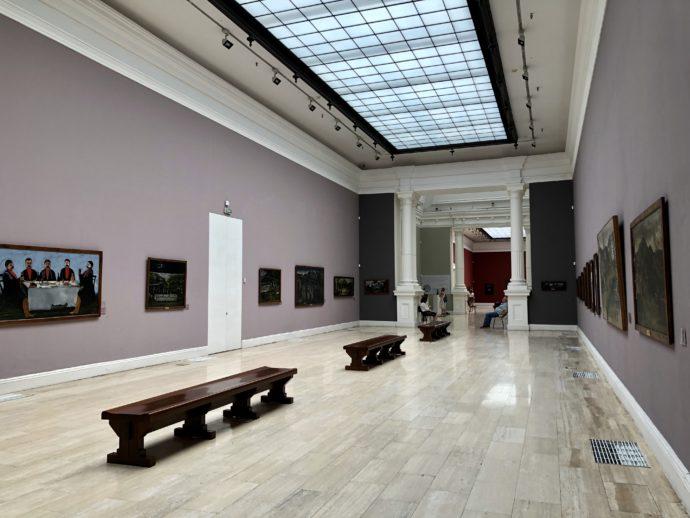 ピロスマニ展示室