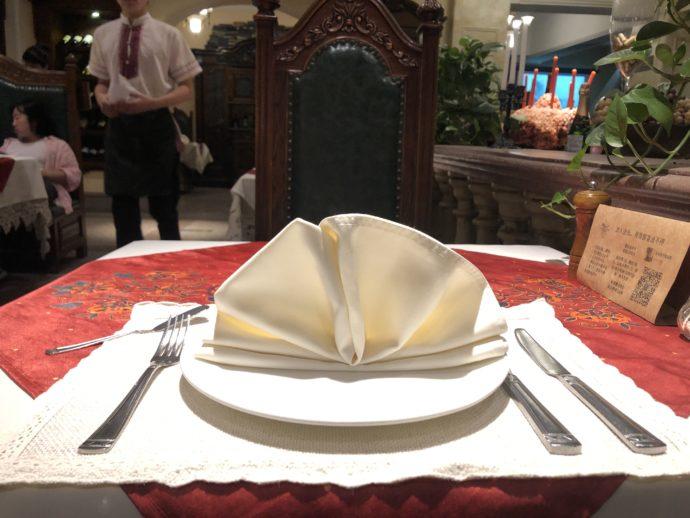 ロシア料理レストランのテーブルセット