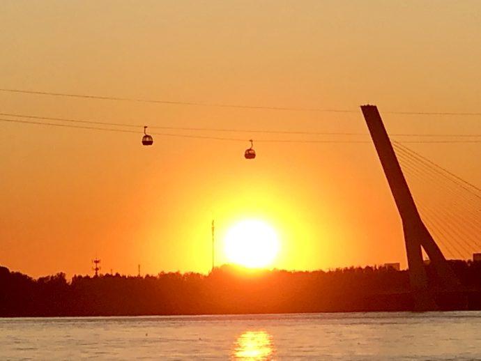 松花江の夕日