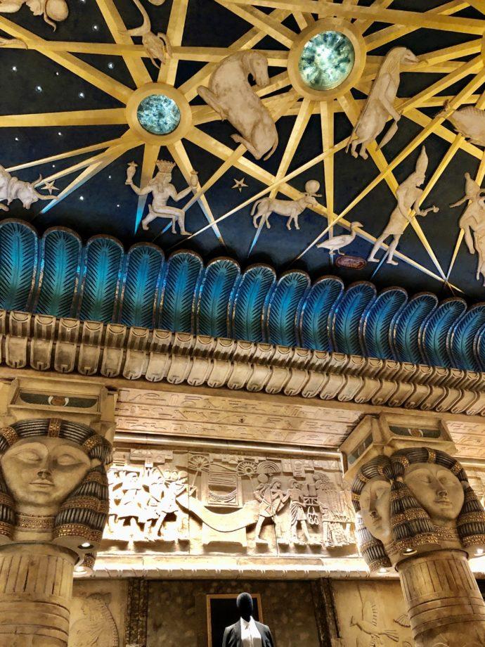 ハロッズ百貨店のエジプト内装