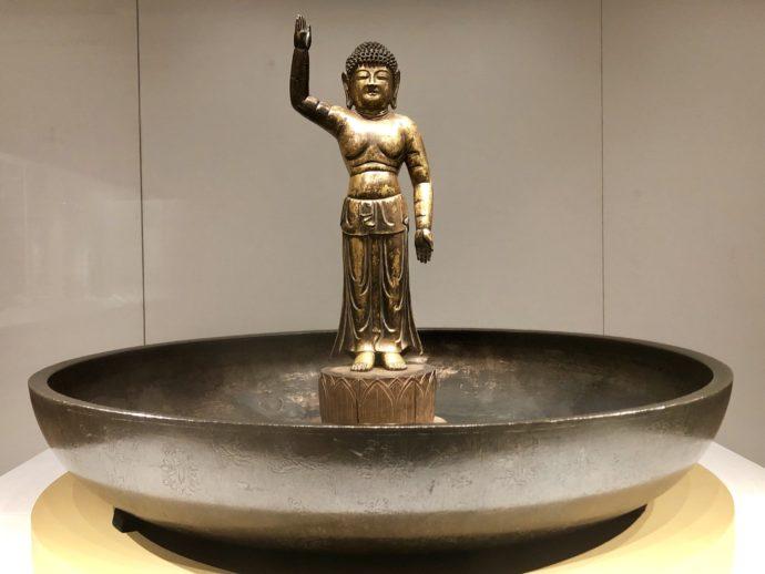 東大寺からやってきた仏様