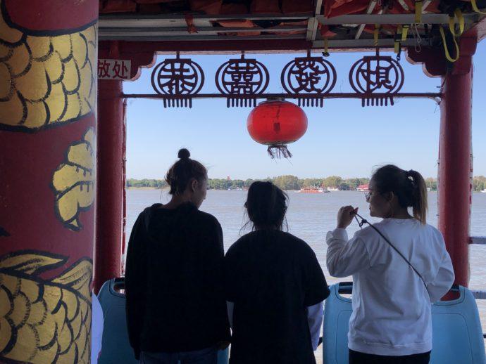 中華趣味の遊覧船