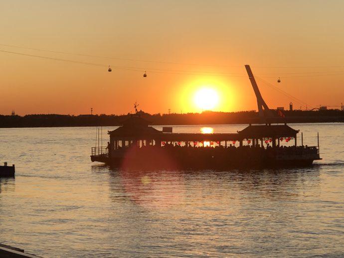 松花江の夕陽