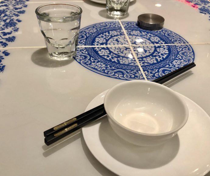 お湯とテーブルセット