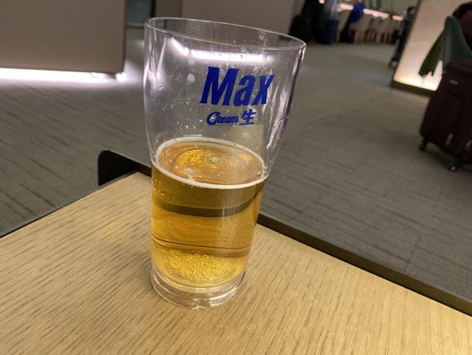 ラウンジのビール