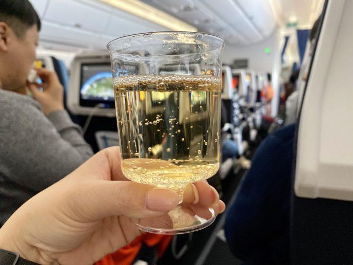 機内で飲むシャンパーニュ