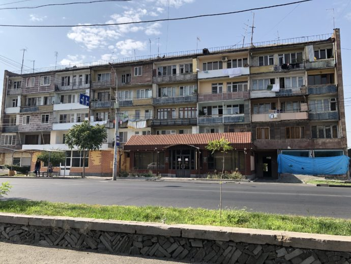 エレバン郊外のマンション