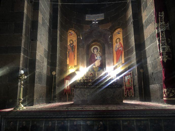 リプシメ教会のステンドグラス