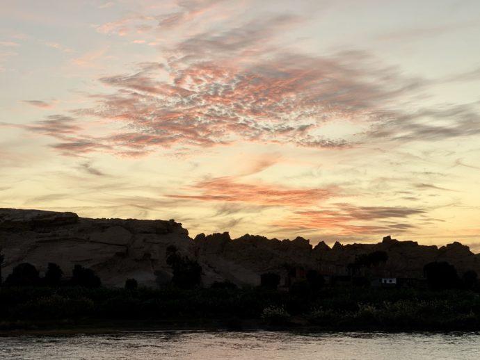 ナイル川の夕暮れ