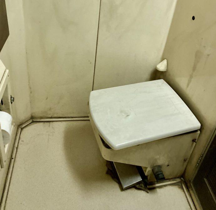 エジプト夜行列車のトイレ