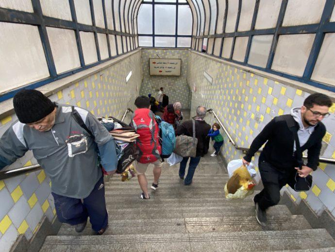 カイロ鉄道駅の階段